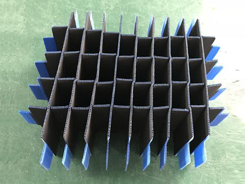 钙塑隔断板